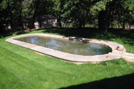 bassin en pierre froide